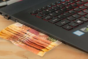 Szybkie kredyty gotówkowe. Pożyczki gotówkowe przez internet.